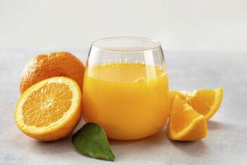 Glas-Sinaasappelsap